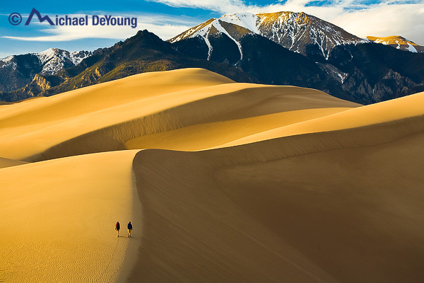 hikers-on-great-sand-dunes-colorado