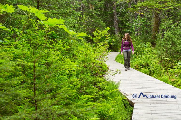 woman-hike-winner-creek-alaska1